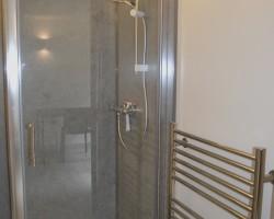 Generous shower cubicle